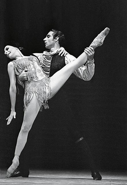 alicia_alonso_azari_messerer